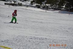 Kind_ski_boden